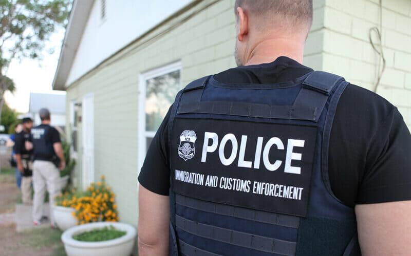 Este artículo habla sobre las nuevas leyes de inmigración. La imagen es ilustrativa.