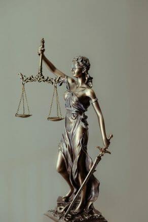 En esta nota brindamos 5 claves para saber cómo elegir abogados de inmigración en Estados Unidos. La imagen es ilustrativa.